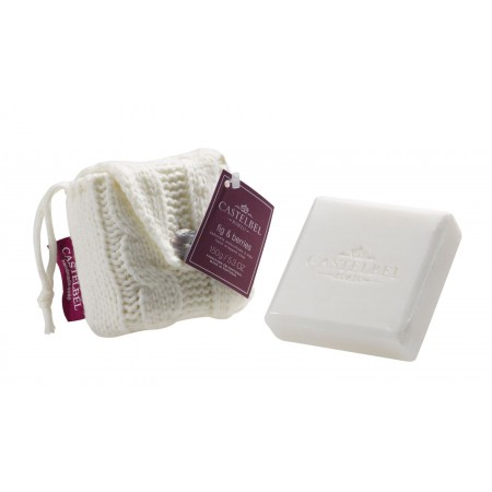 Castelbel Fig & Berries Soap in white knitted bag 150g